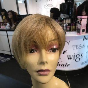 Accessories - Blonde Wig short dark roots too blonde short wig