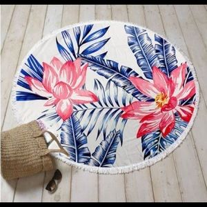 Other - Round tropical beach towel