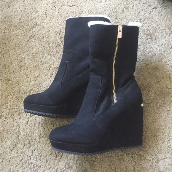 21982698d9d Juicy Couture Shoes - JUICY COUTURE SIZE 9 MED ZIPUP BOOTS HIDDEN WEDGE