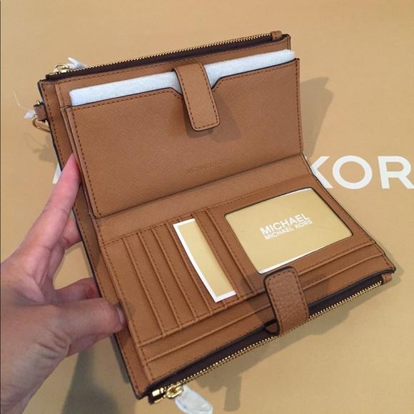 8d5408a15d37 Michael Kors Bags | Signature Adele Doublezip Wristlet | Poshmark