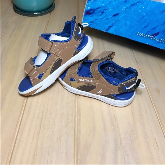 b75c6d14e114 Nautica kids sandals