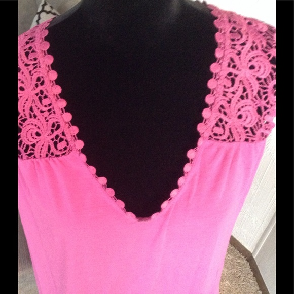 FADED GLORY Tops - Cute fuchsia tank top.  NWOT