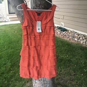 Beautiful French Connection dress size 2 %100 silk