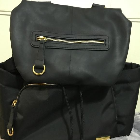 40 off handbags skip hop chelsea downtown backpack diaper bag from jeanine 39 s closet on poshmark. Black Bedroom Furniture Sets. Home Design Ideas