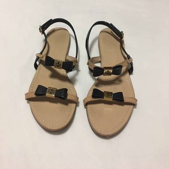 311e639283c Tory Burch Black and Nude Kailey Flat Sandals. M 5972b70d9c6fcfa2b900ee56