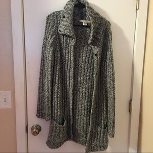 thick free people sweater!