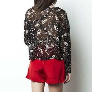 Red hot sexy ruffle bottom shorts size m