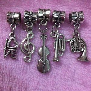 Jewelry - Instrument tools violin, Horn, trumpet charm set