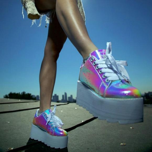 timeless design bf73d e7594 YRU LALA ATLANTIS Holographic Sneakers 9M
