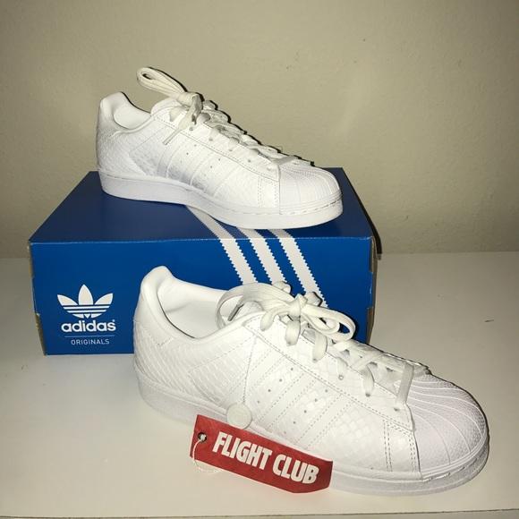 le adidas bianchi, scarpe poshmark superstar