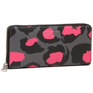 MARC BY MARC JACOBS PRINTED DIVINE LEOPARD WALLET