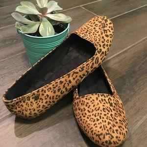 Volcom leopard flats