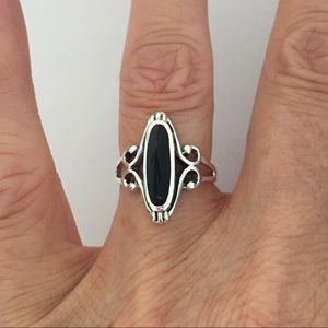Jewelry - Sterling Silver Black Onyx Ring