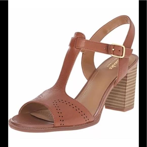 58cff889d Clarks Women s Ciera Glass T Strap Sandal brown