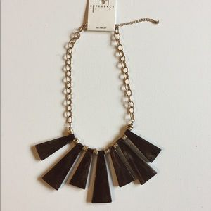 Jewelry - NWT Brown Statement Necklace