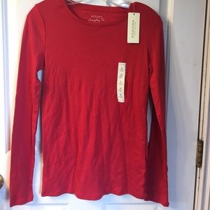 NWT red Sonoma long sleeve tee in red.