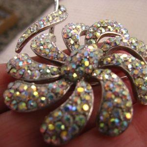 Vintage Jewelry - WEISS aurora borealis encrusted flower brooch