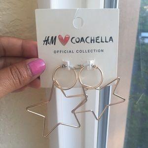 ✨ H&M Coachella gold star earrings