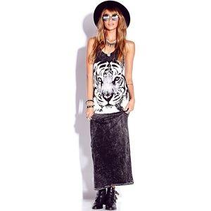 ⬇️♥️ F21 Tiger Maxi Dress