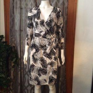 Ivy & Blu Women's Elbow Sleeve Dress