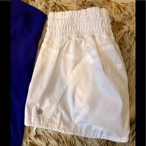 *RARE* Lululemon White Tracker Running Skirt EUC