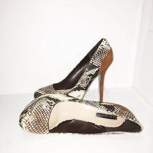 Worn once!! Hot Platform Snakeskin Heel
