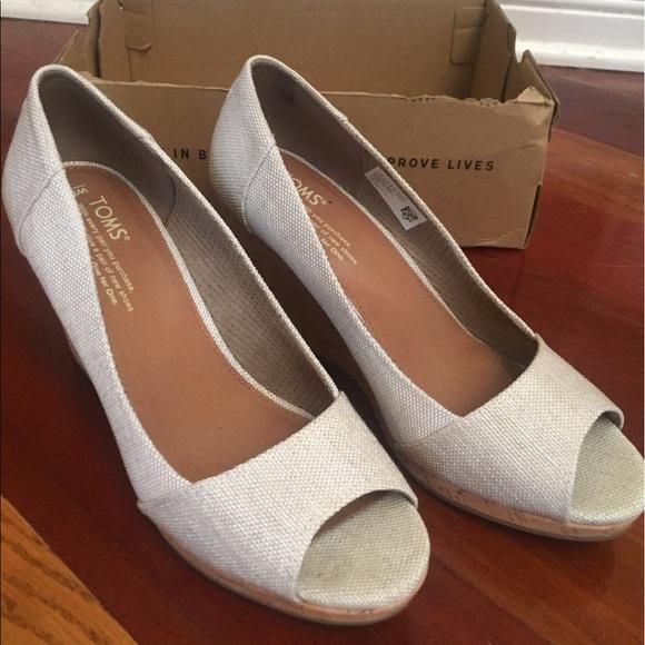 3161256a7ca NWT TOMS Stella wedge natural yarn shoes. M 59739145ea3f36731801166f