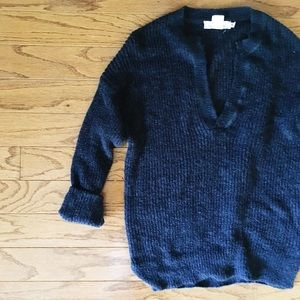 navy pull over sweater