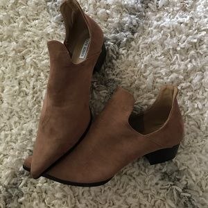Size 11 NIB booties