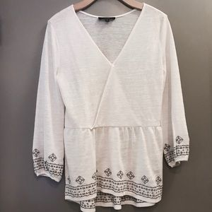 Sanctuary white top with taupe embroidering