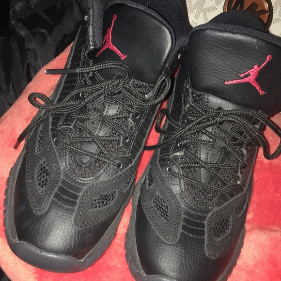 huge discount 8398d ead08 Jordan Shoes - Perfect never worn out the house way to big for me