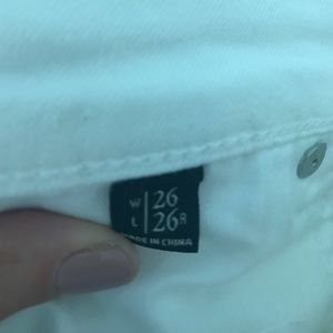 Abercrombie & Fitch Jeans - Abercrombie white skinny jean- size 26
