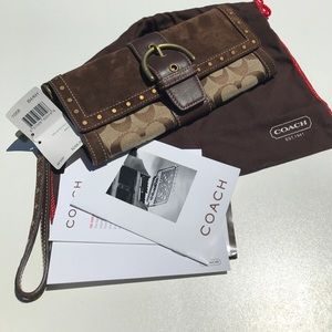Coach 7058 Signature Stud Clutch Wristlet Wallet