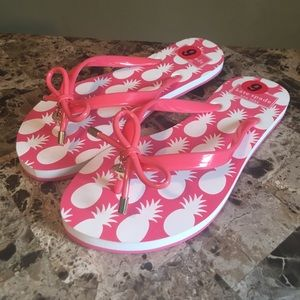 Kate Spate Coral pink Bow Charm Flip Flops size 6