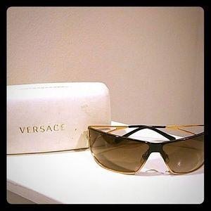 Versace Sunglasses in Golden Brown w hardshell cas