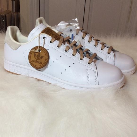 finest selection 8fb67 5d8dd Adidas Stan Smith Gum Sole NWT