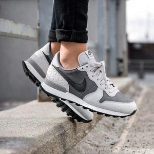 Nike Grey Suede Premium Internationalist Sneakers