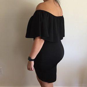 Dresses & Skirts - Black Off Shoulder Ruffle Dress