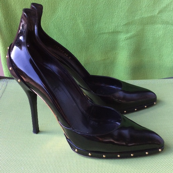 a0e78290afb Gucci Shoes - Gucci authentic patent leather studded pumps