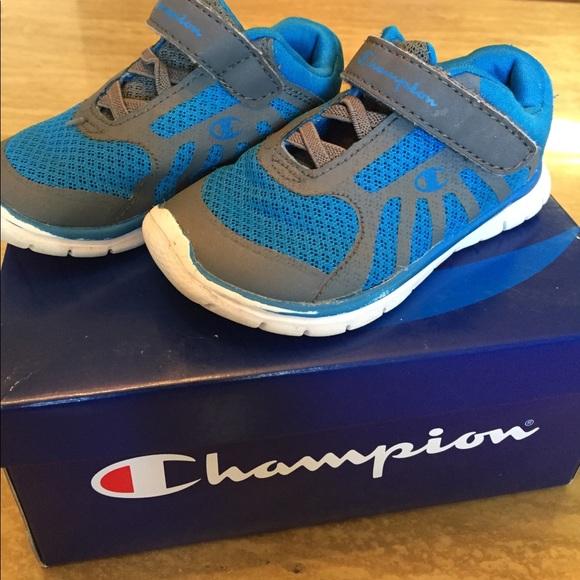 1cf904f404f Boys Champion sneakers