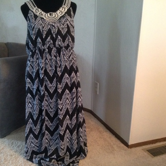 SAMI & JO Dresses & Skirts - Black & White Maxi Dress
