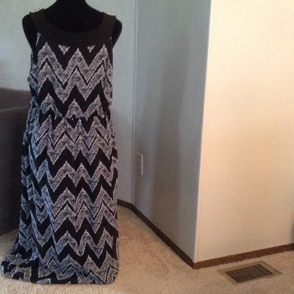 SAMI & JO Dresses - Black & White Maxi Dress