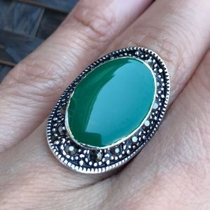 Jewelry - Vintage Style Silver Plated Green Oval Ring Sz 7
