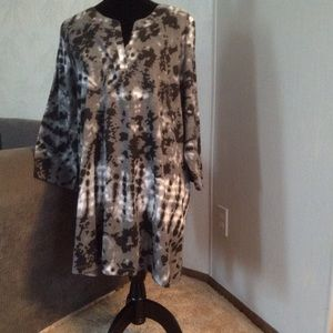 WOMAN WITHIN Tops - Black & Grey 'tie dye' Shirt.