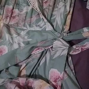antara Dresses - Antara vintage dress green floral with shoulder pa