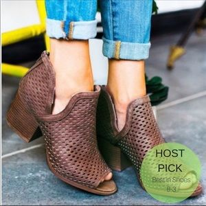 Shoes - ONLY 1 LEFT!!🌺Dark taupe heeled cut out booties
