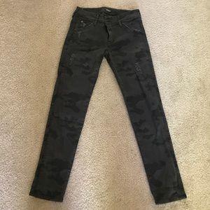 914accab028f ... Hudson Collin Camo Jeans 27 ...