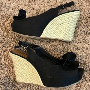 Candies black wedges