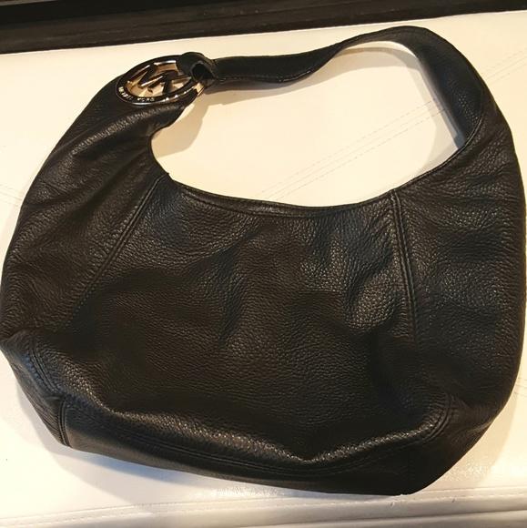 9ceab77f6d46 Michael Kors Fulton Shoulder Bag & Card Case. M_5974dd56680278e9f302d792