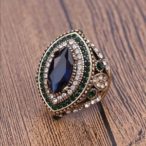 Jewelry - Luxury Vintage Style Gold Fashion Ring